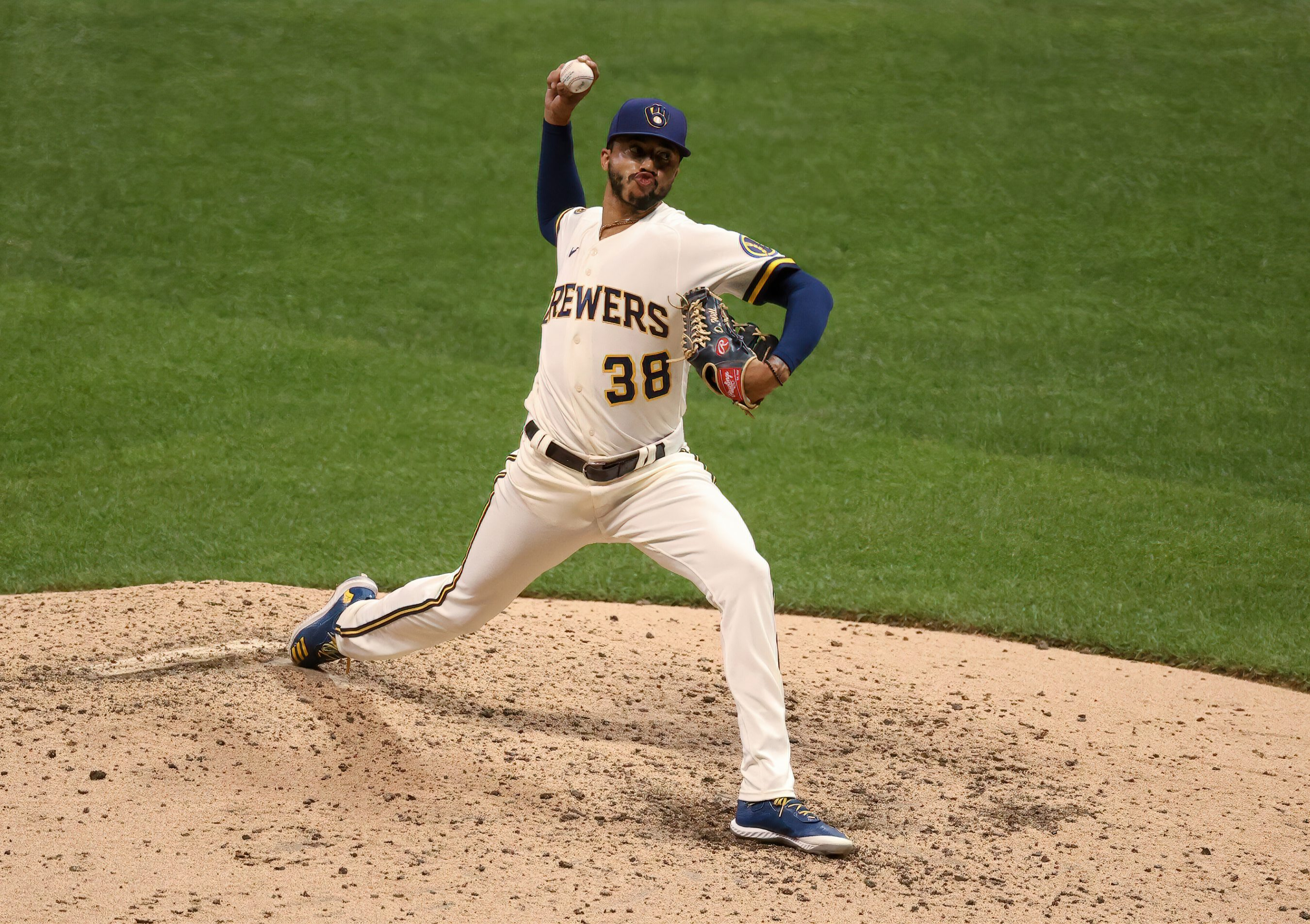 Devin Williams Aims For Rare NL Rookie Of The Year, Reliever Of The Year  Feat